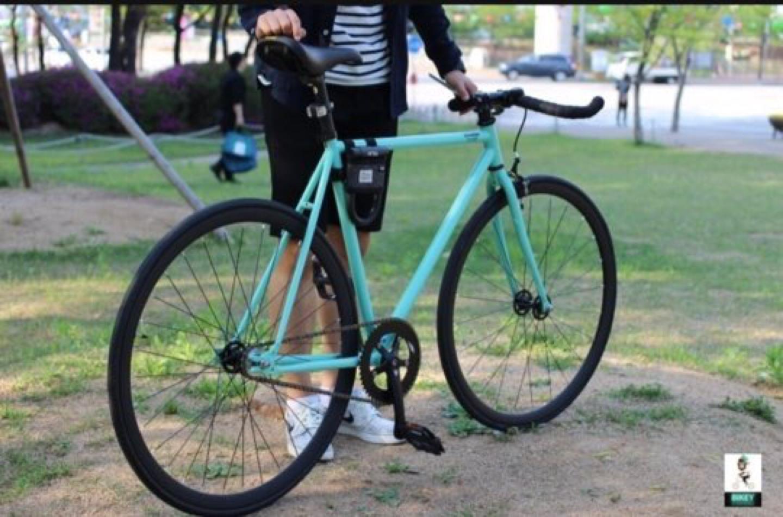 바이큰크롬픽시 자전거(각종 튜닝과 필요구성용품 포함 가격)