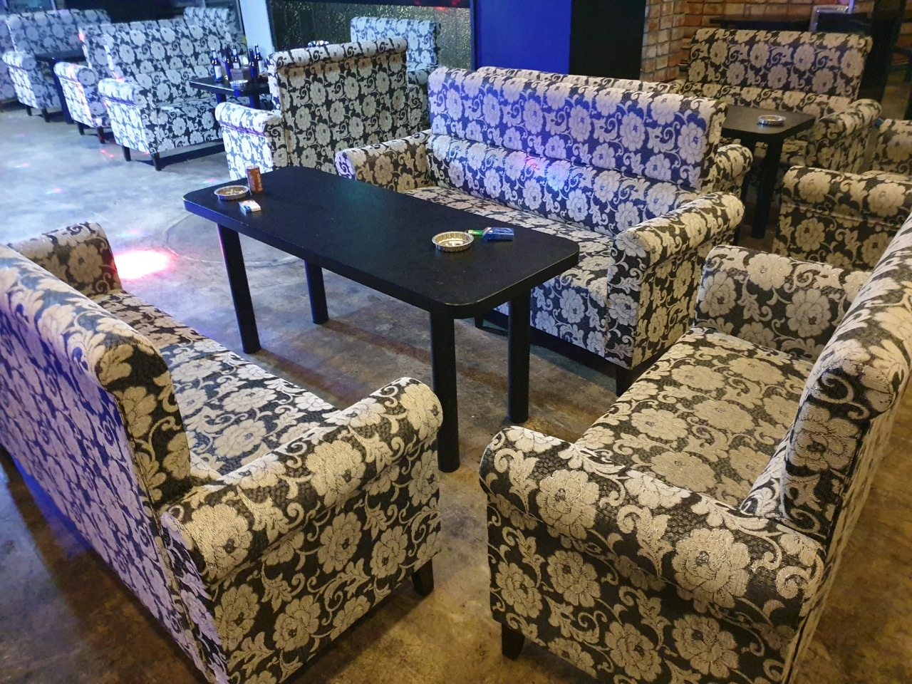 업소용소파 테이블 2인용 20개 개당6만원 업소용소파 고가매입 염가판매