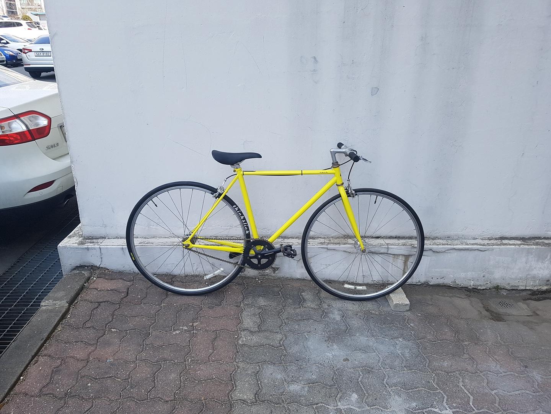 알톤 픽시자전거 노란색상 자전거 받침대(직거래만)