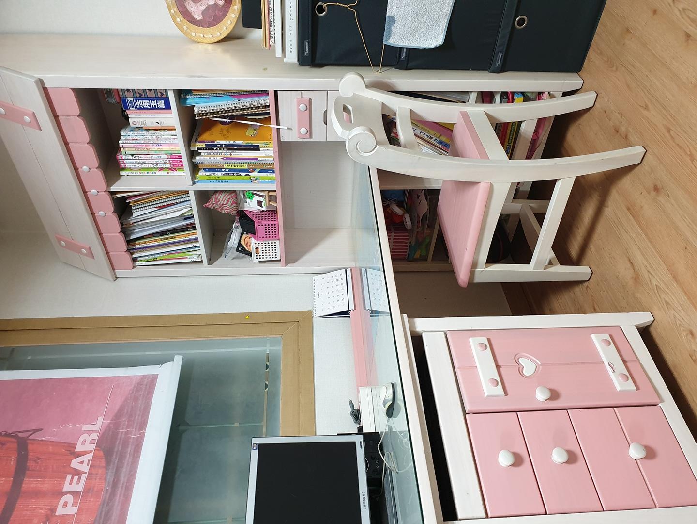 책상세트와 미니화장대