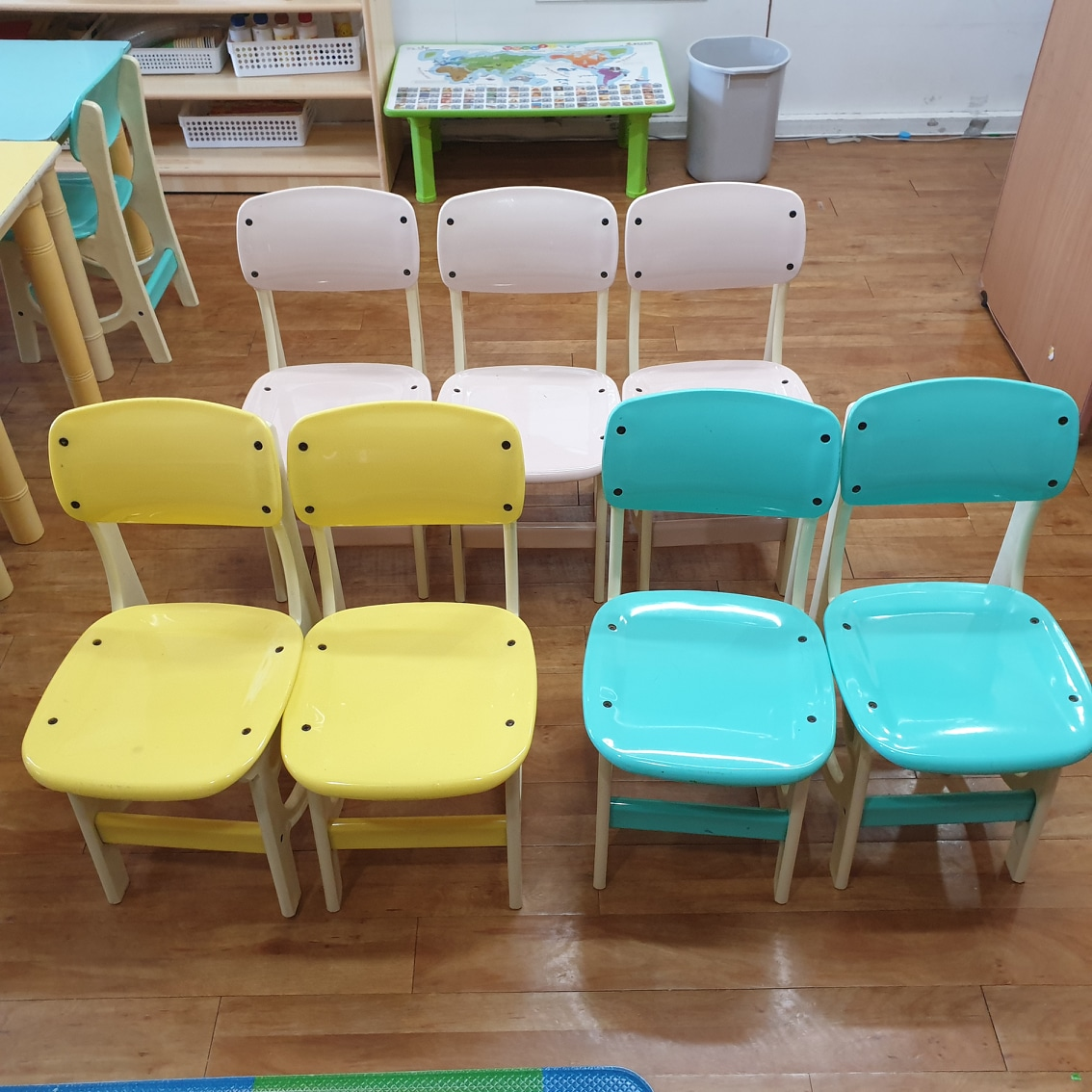 유아용 의자. 책상. 교구장판매