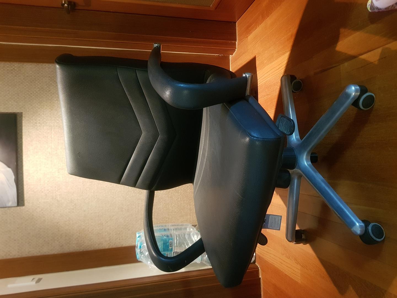 성인용 책상 의자
