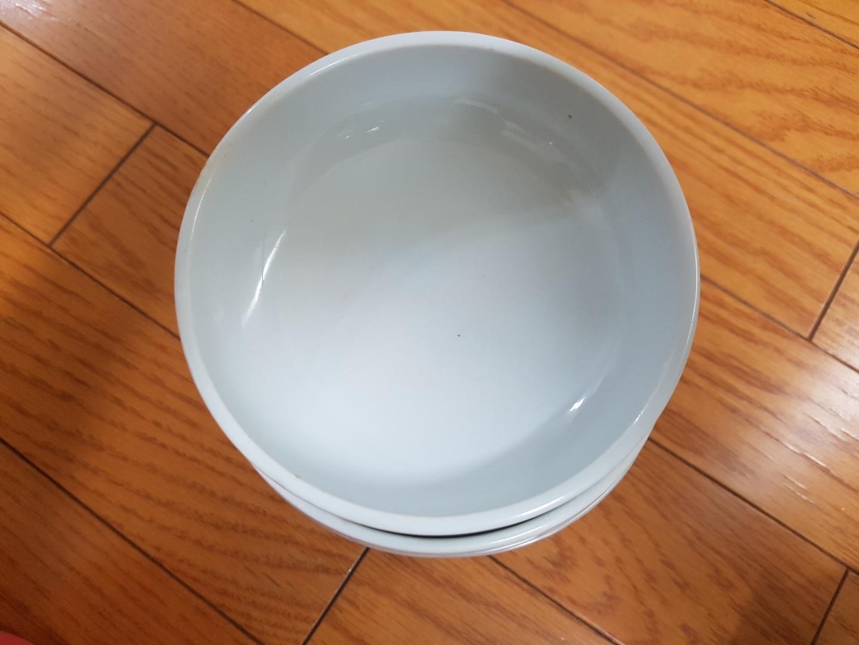 반찬 그릇 6개