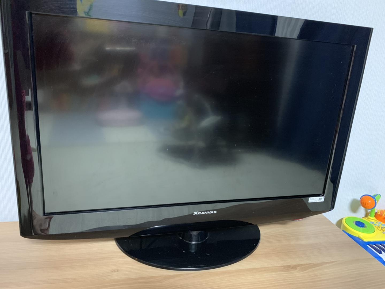 엘지 엑스캔버스 32인치 TV 팔아요