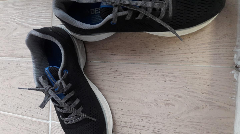 데상트 신발