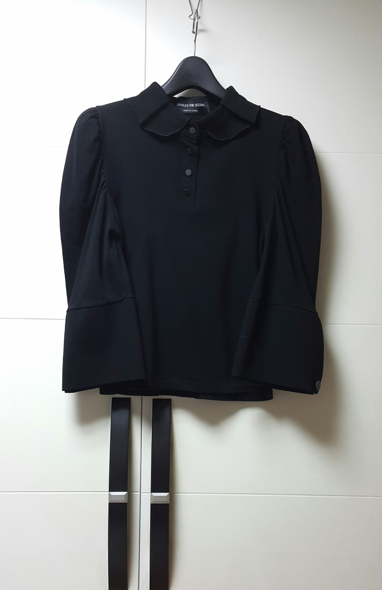[44~55] 새제품/셔링(어깨/카라) 7부 큰소매 블랙 /카라티/셔츠/남방/블라우스/XS~S/메이드인 코리아