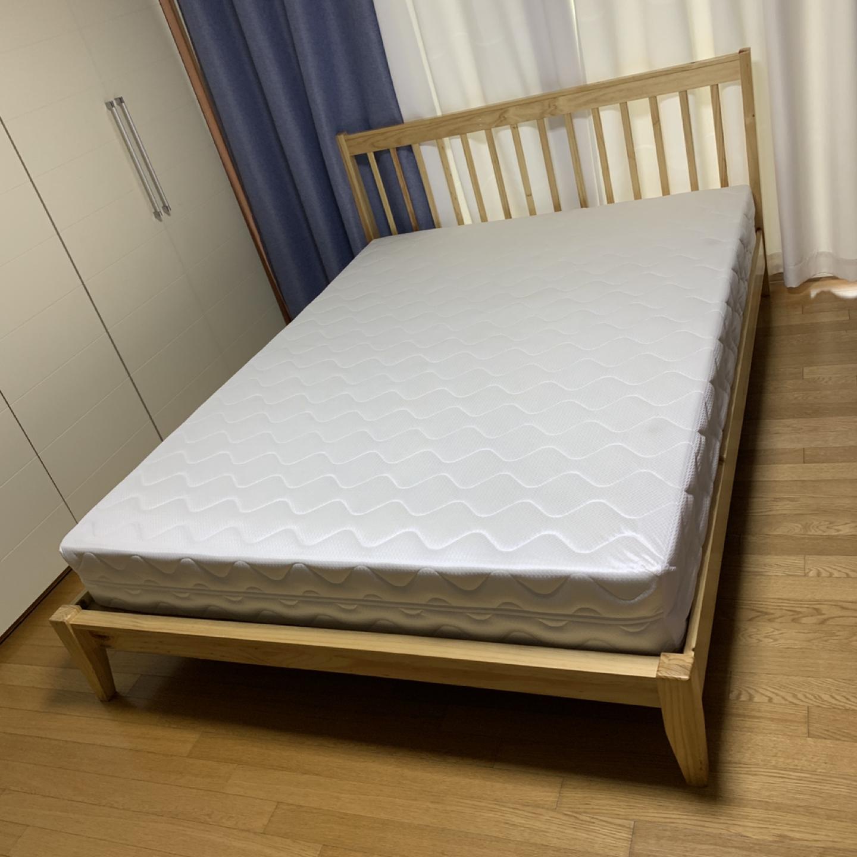 퀸 침대(프레임 ,매트) 팝니다.