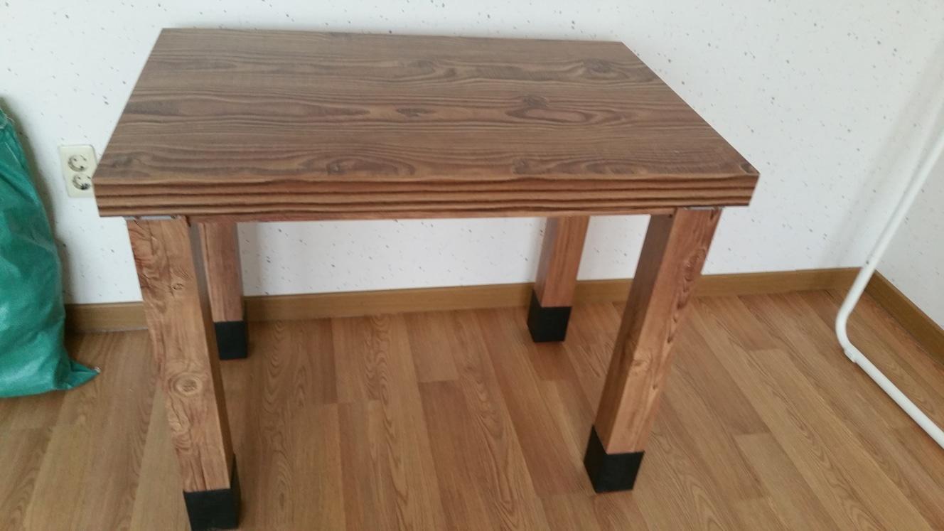 식탁과 테이블 입니다