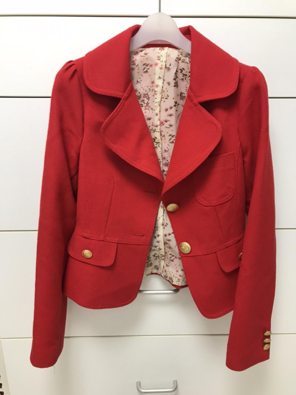 봄 여성 쟈켓 팔아요(레드,네이비) -중고서적과 교환가능
