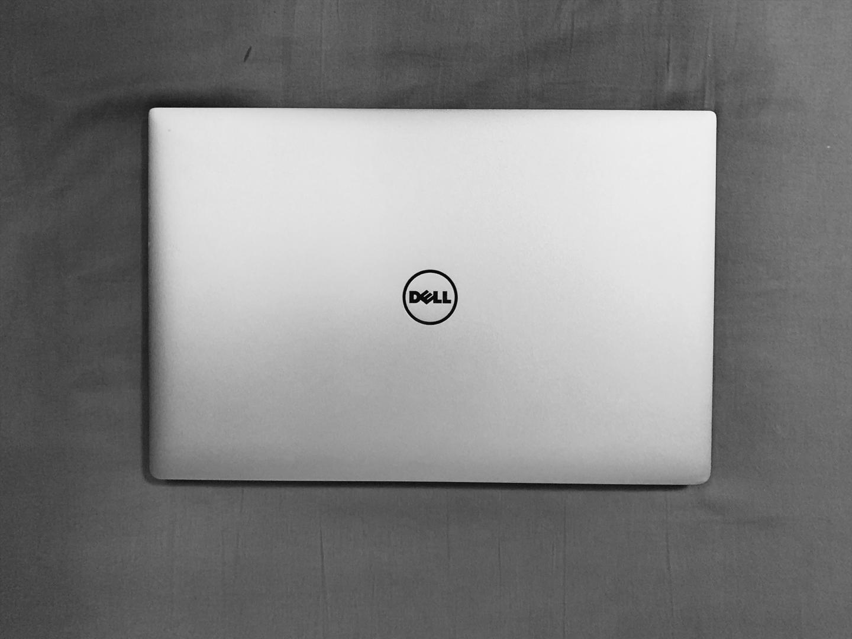 델 XPS 9560 15.6인치 4K 터치스크린 노트북 팝니다.