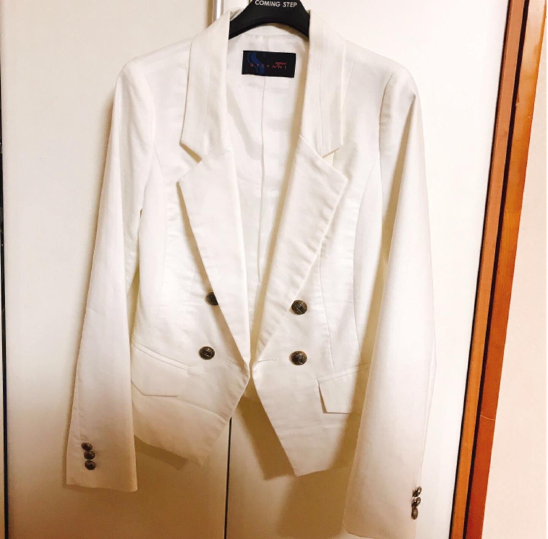 하얀 자켓 팔아요~