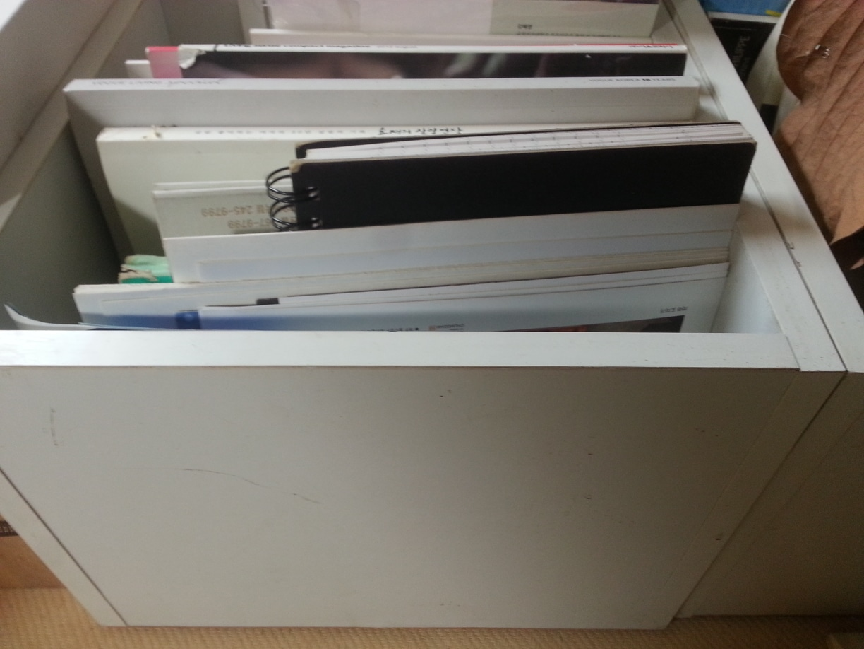 흰색 박스 5개