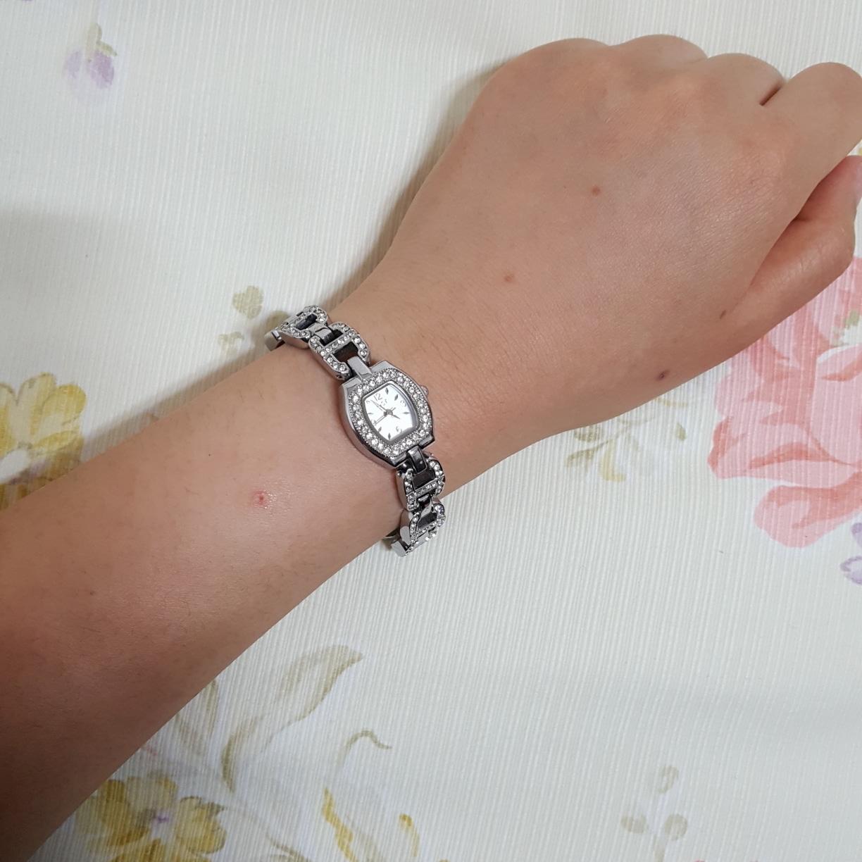 OST 여성 손목시계 (배터리 교환 필요)