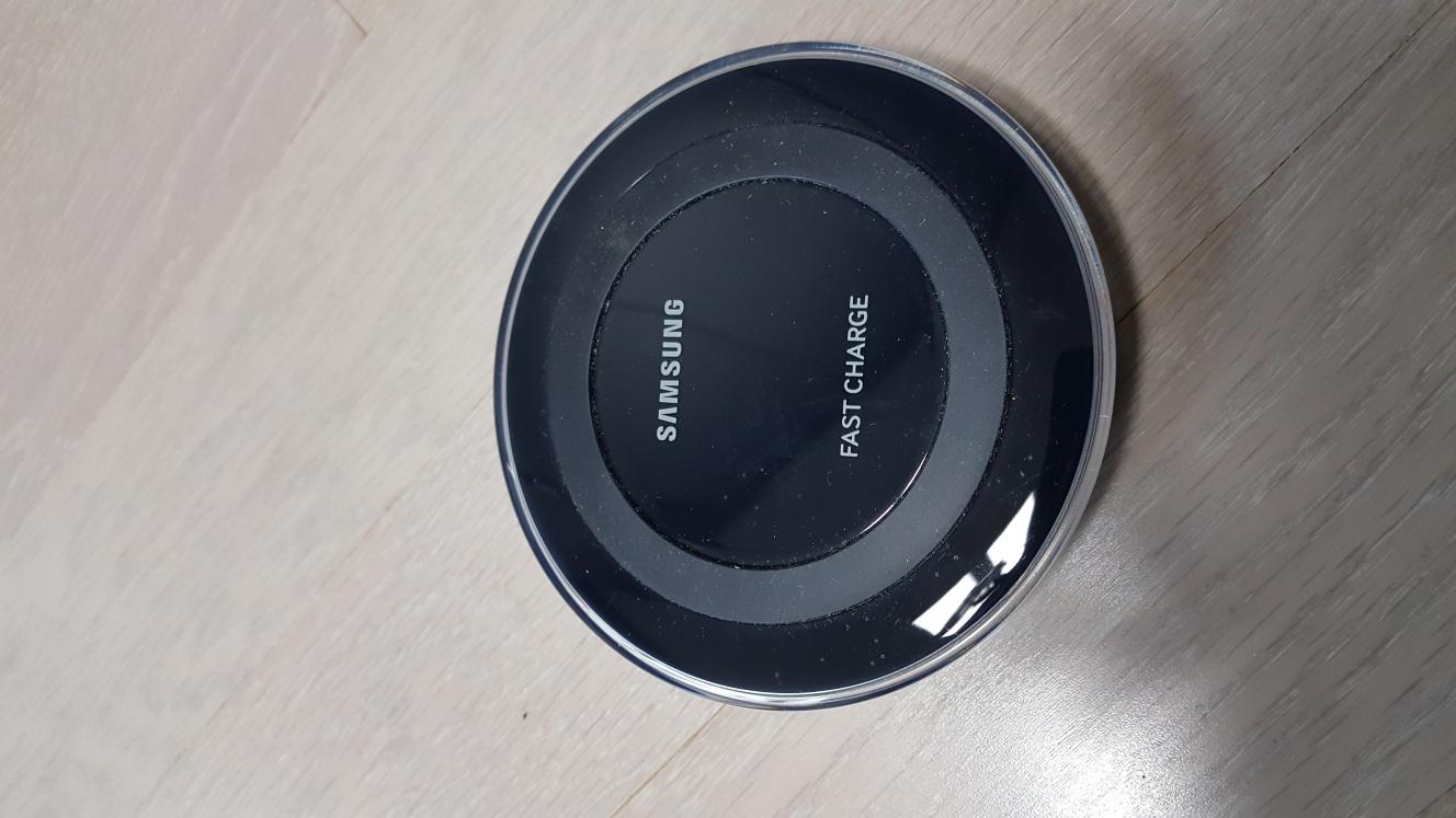 휴대폰~무선충전기(삼성정품)