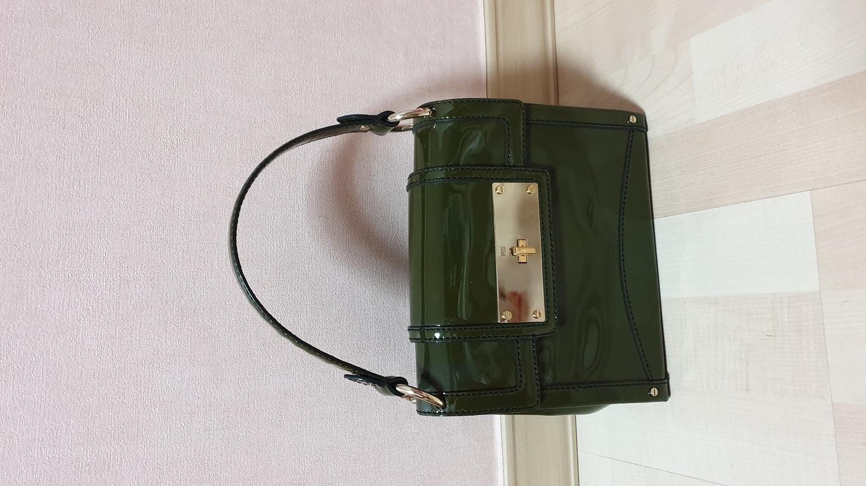 닥스 에나멜 손가방