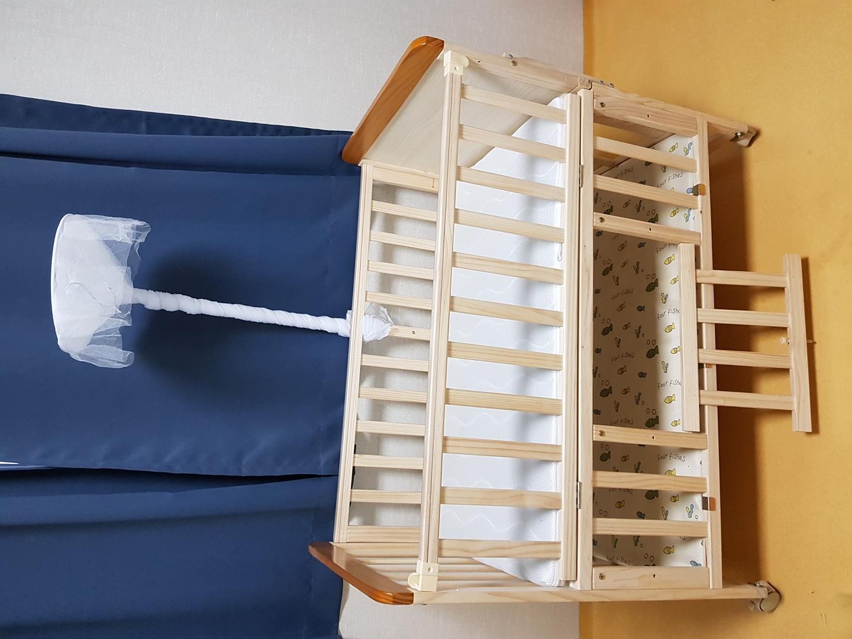 벨라 원목 아기침대 판매합니다. (매트리스 포함)