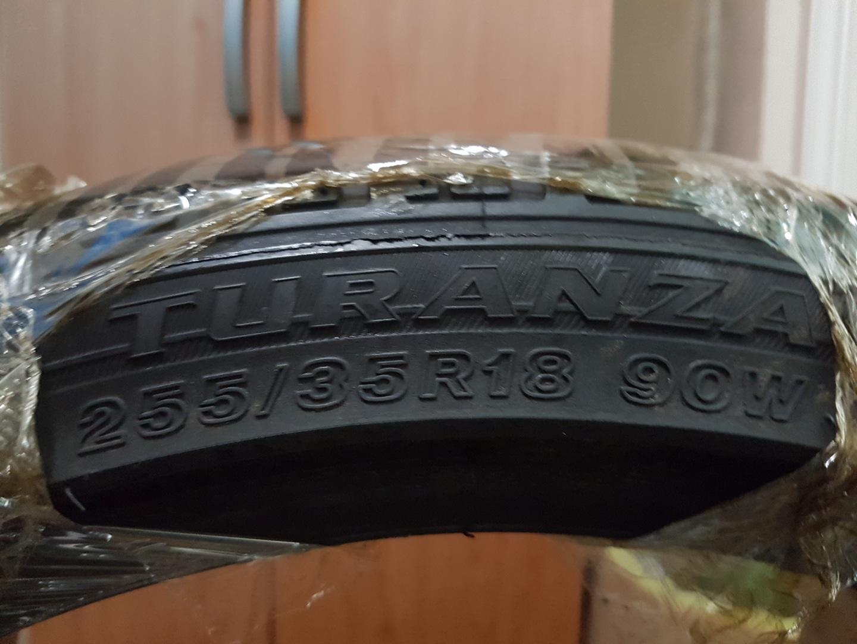브리지스톤 18인치 타이어2개 판매합니다