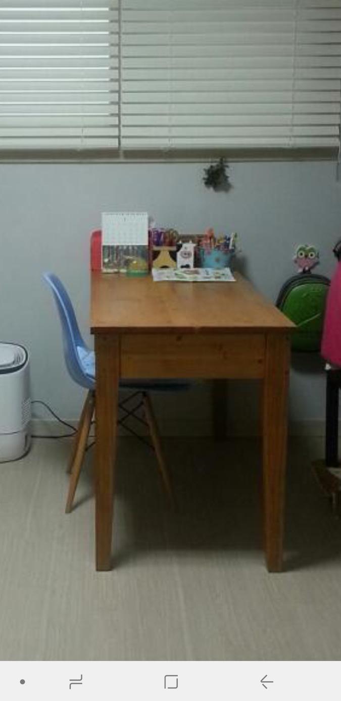 물푸레나무 책상