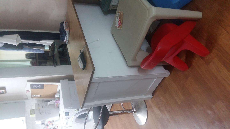 드림 ㅡ아일랜드 테이블과 한샘 바의자 1개