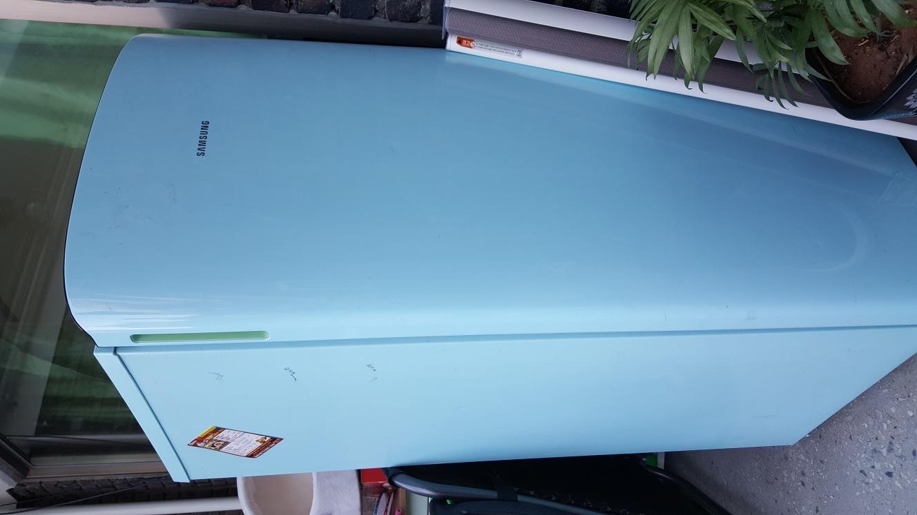 냉장고 197리터 가격 내립니다.