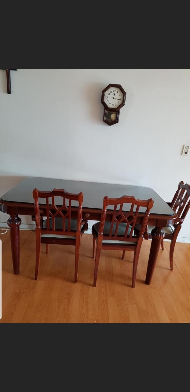 식탁 + 의자 3개