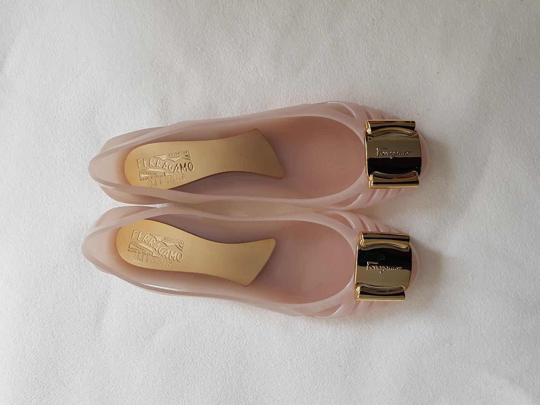 여성화 정품 젤리 페라가모
