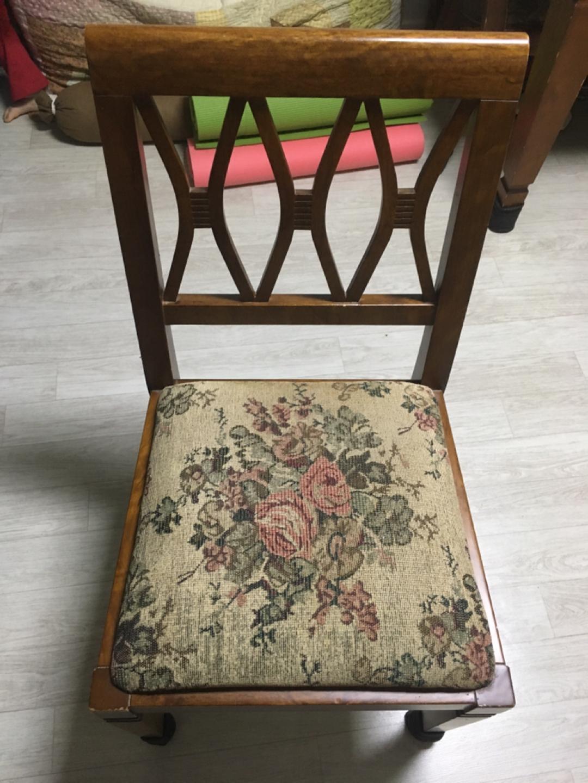 4인 식탁 및 의자