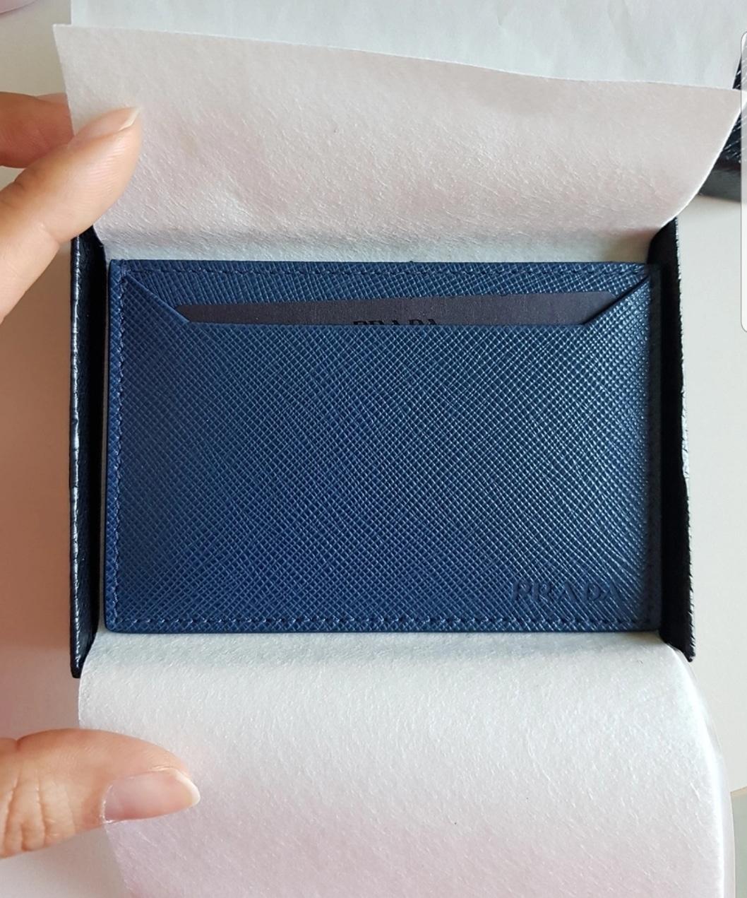 (새제품) 프라다 사피아노 카드지갑