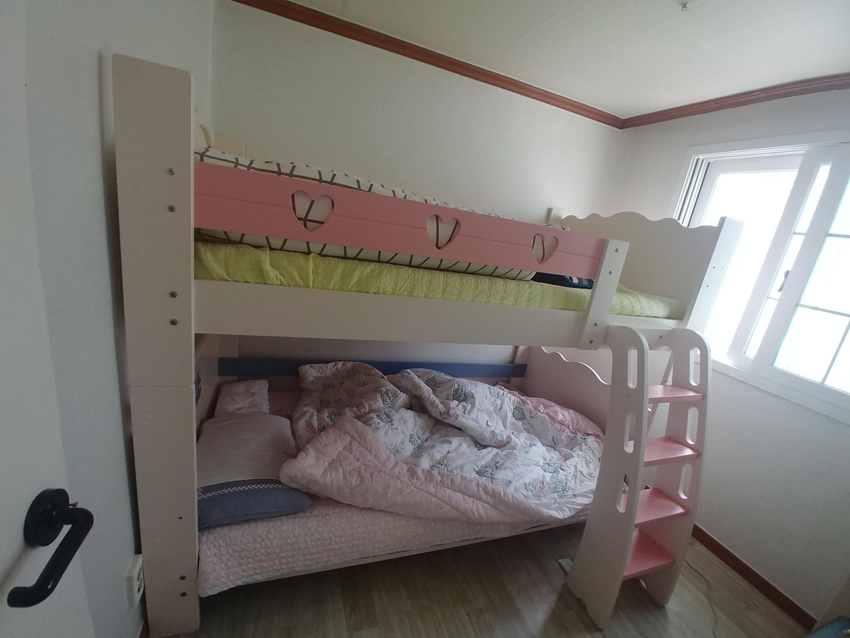 2층침대입니다
