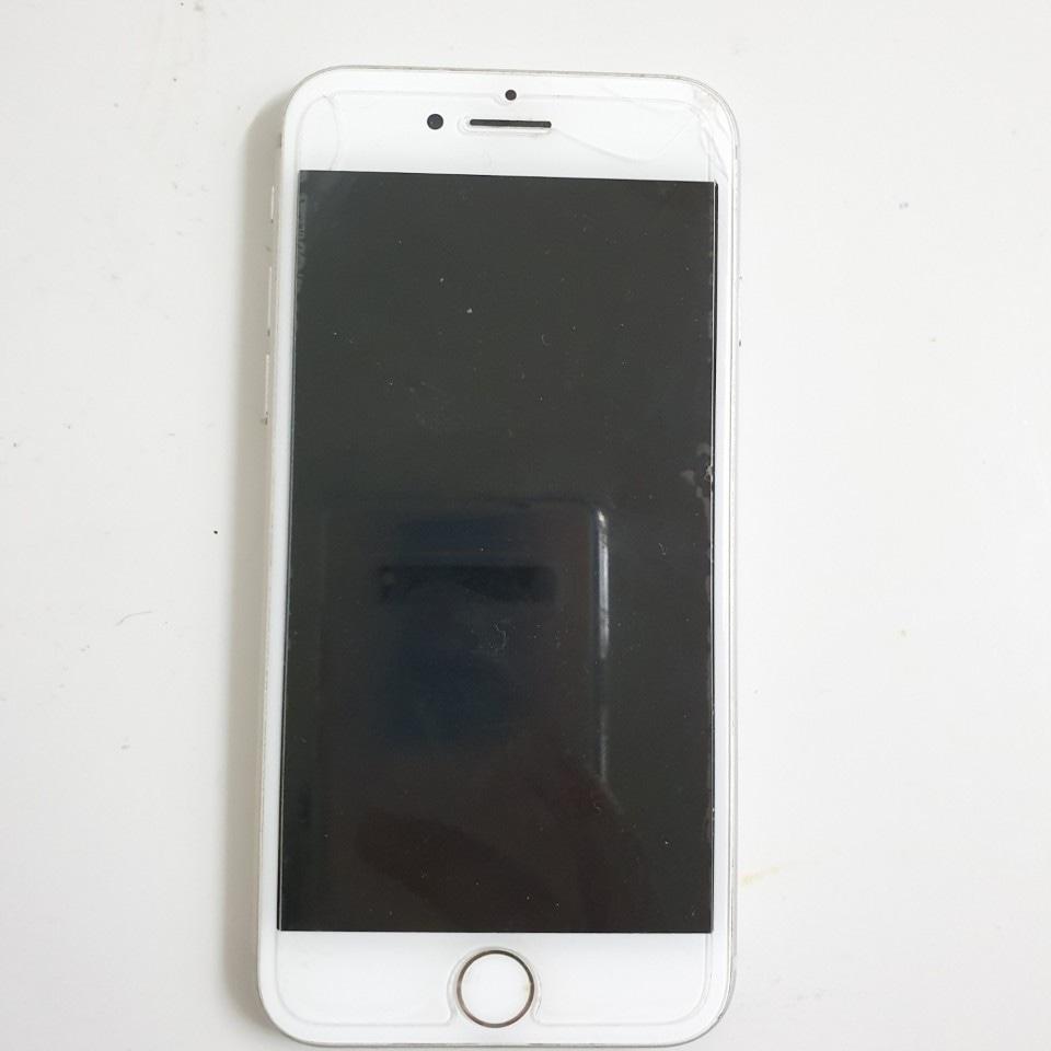 아이폰8 실버 64 판매합니다