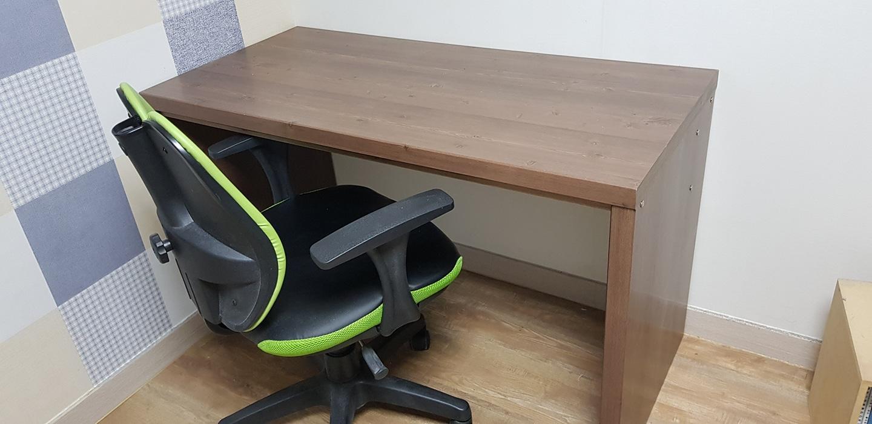 (긴급  처분) 책상과 의자 팝니다