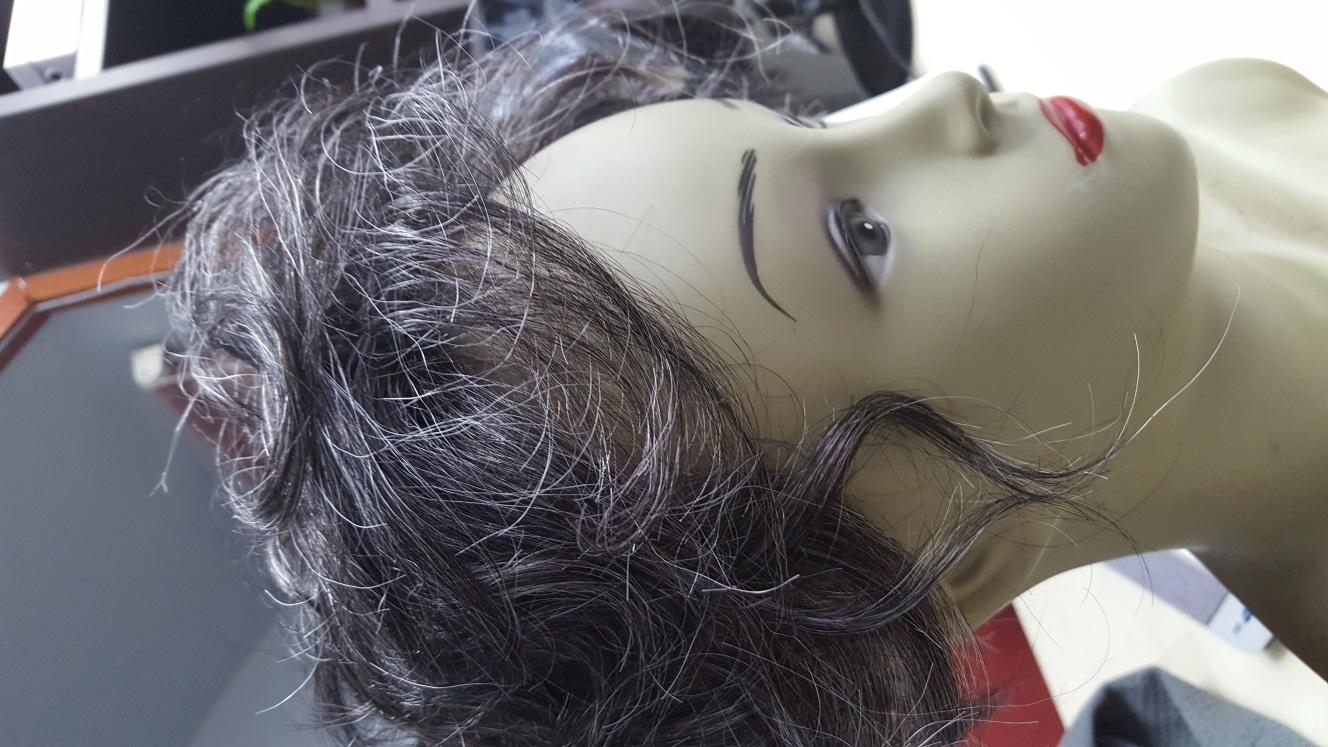 흰머리 여자가발
