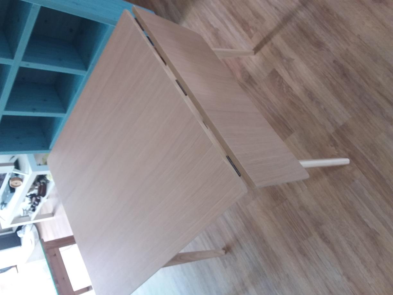 접이식 테이블(다리는 접이가 아닙니다) 가로세로높이 75 85 75