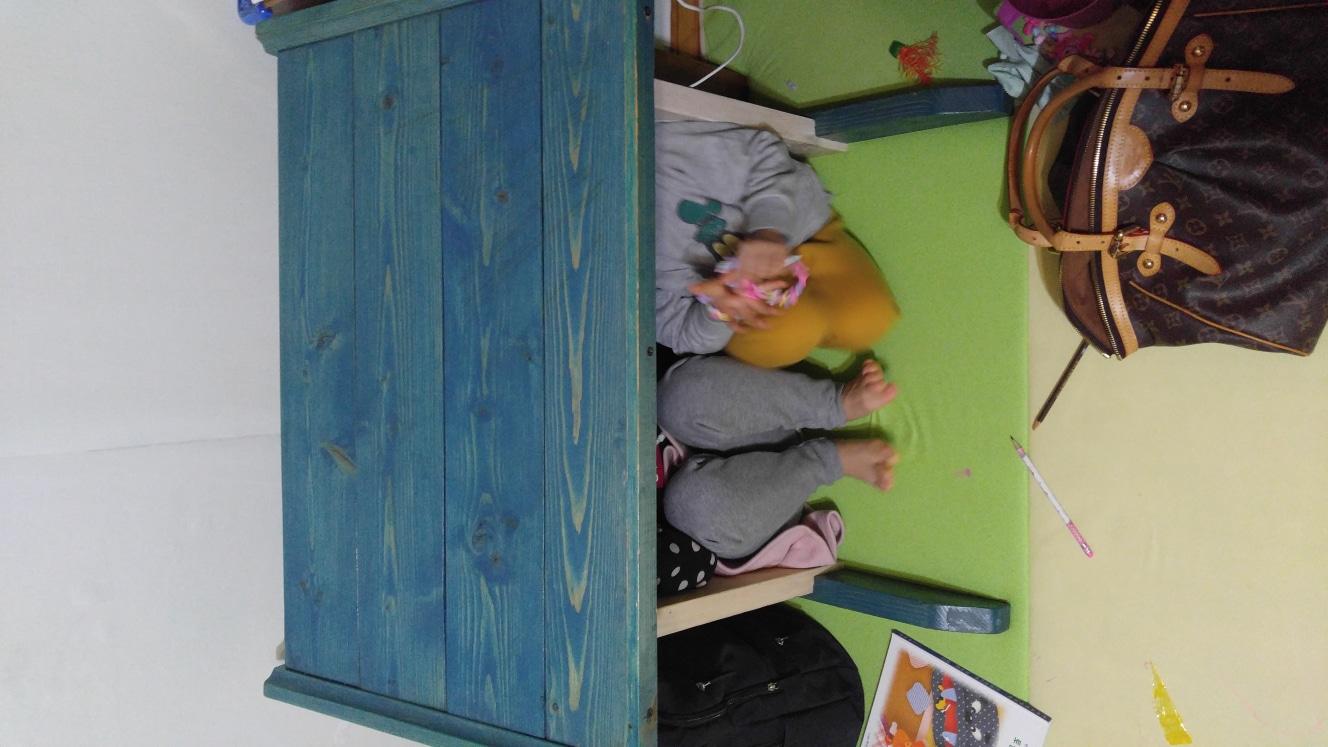 공방에서 제작한 원목 어린이 1인책상