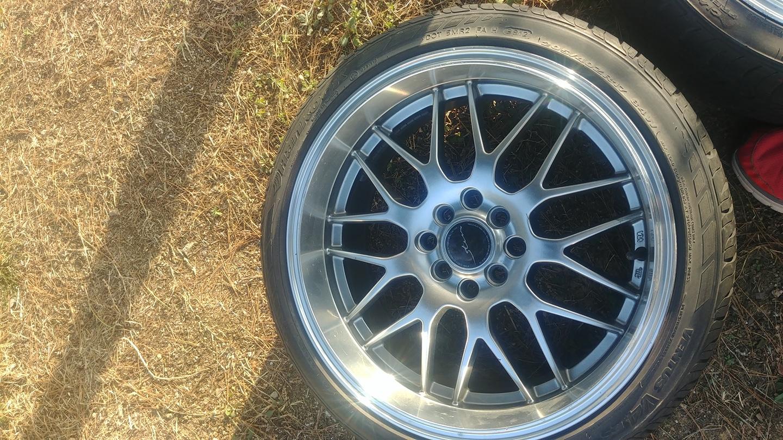 타이어 3개