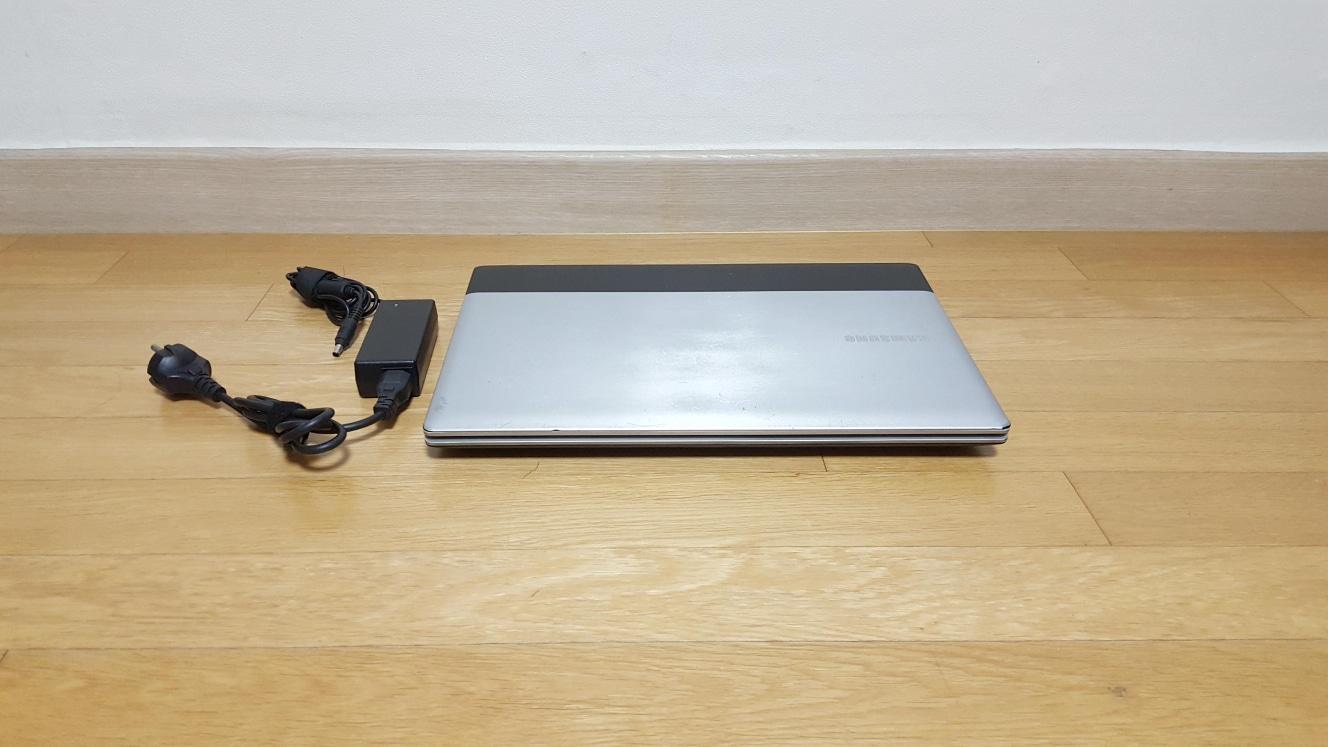 삼성 센스 RV520 인텔 i3/ 6G/ 500G 노트북 팝니다.
