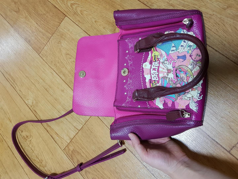 브레라 핑크 가방