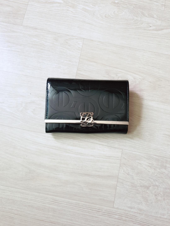 루이까또즈 중지갑