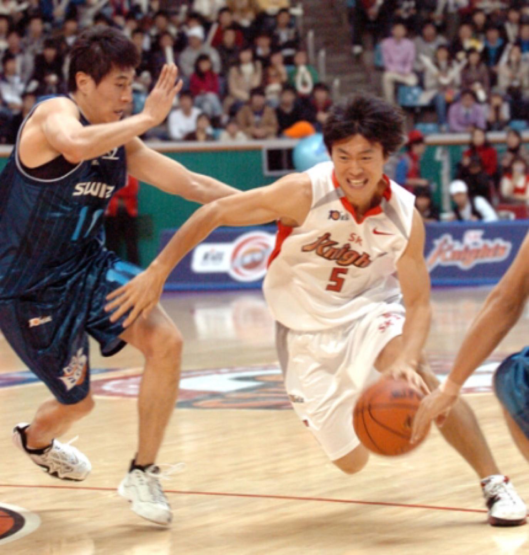 프로 선수,길거리농구 우승자에게 배우는 농구교실 신입생 모집