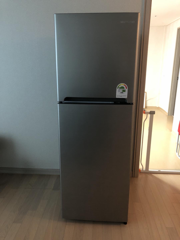 243L 짜리 냉장고 팝니다
