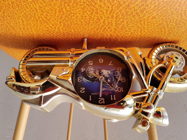 엔틱 오토바이 시계