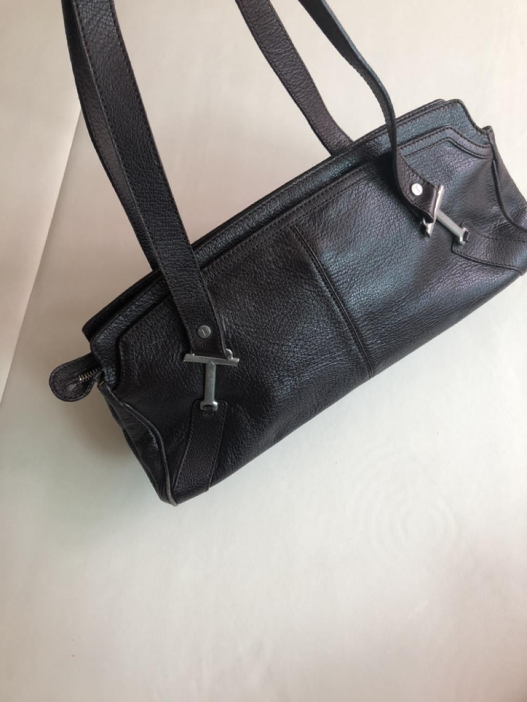 토즈 여성 가방입니다