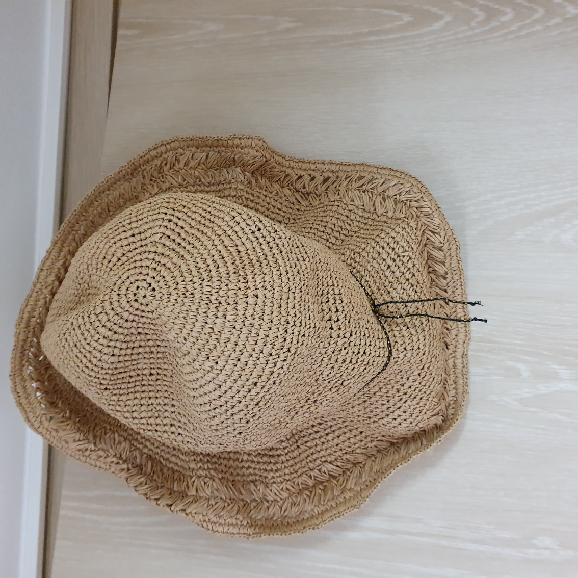 일본에서 구입한  한번도 사용안한 모자입니다  모자가 많아서 판매합니다