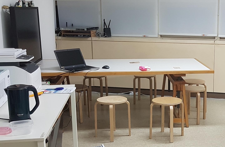 거실, 카페, 회의실용 대형 테이블