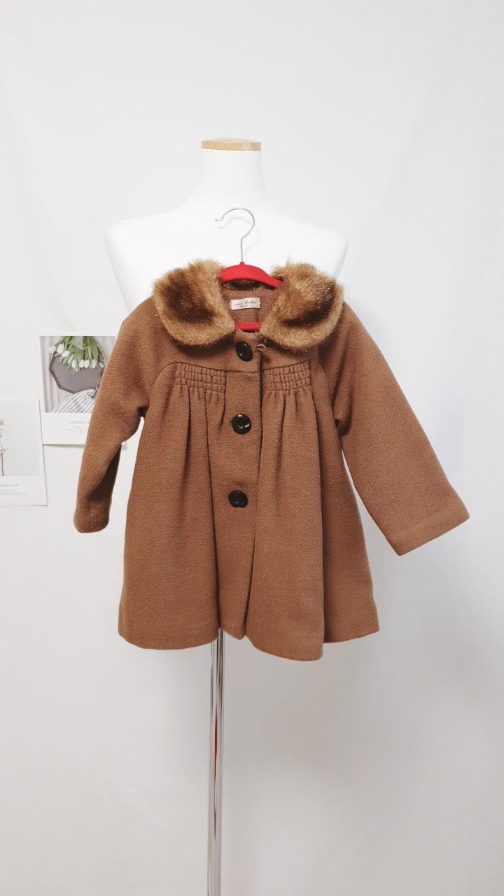 아기 브라운 코트
