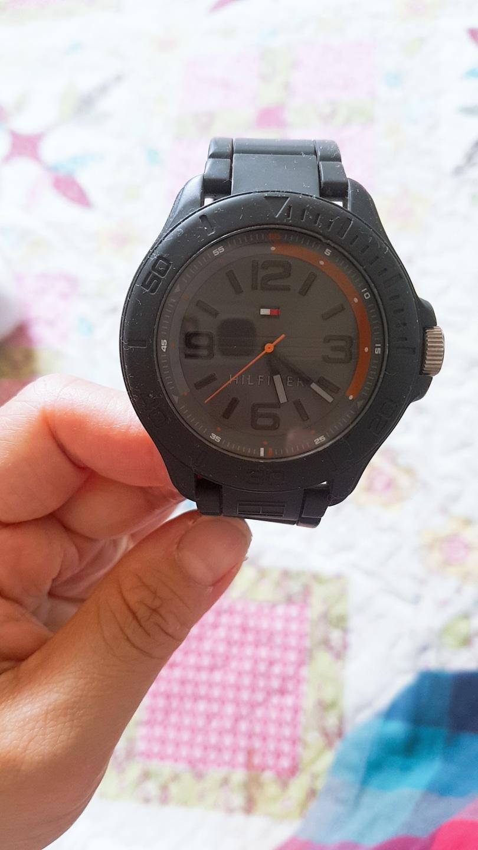 타미힐피거 시계  판매합니다