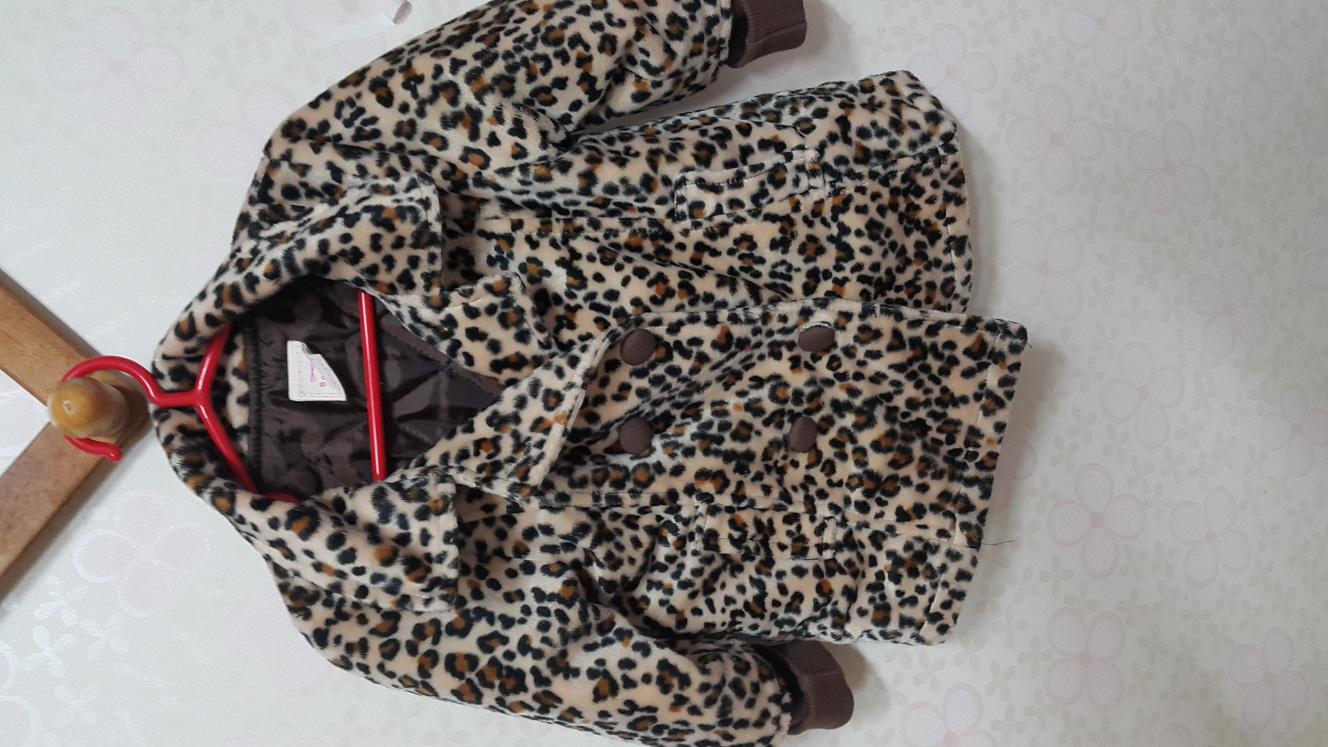 호피무늬의 유아겨울옷