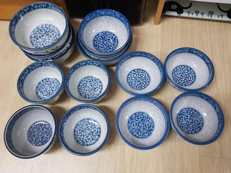 사기밥그릇 4개 국그릇 4개 대접 크기별로7개