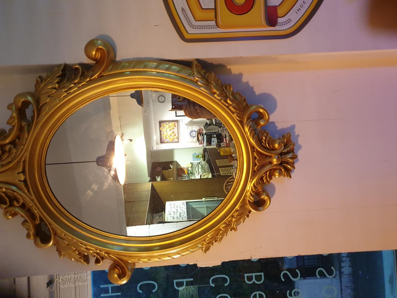황금색 앤틱 거울