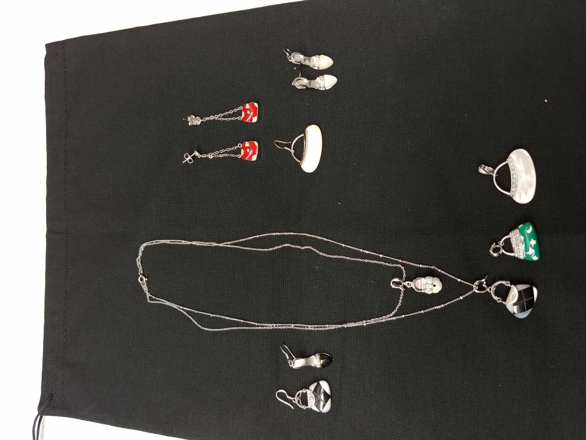 (새상품급) 2줄 목걸이, 비즈목걸이, 펜던트, 귀걸이 셋트 8종
